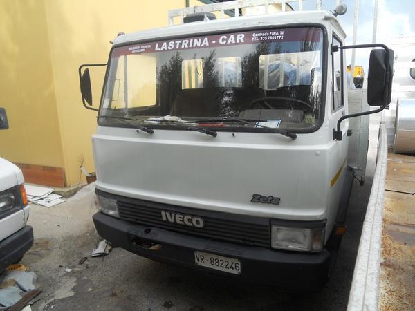 25#3897 Autocarro Iveco