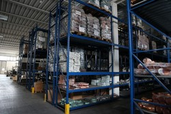 Mobilfer metal shelving - Lot 100 (Auction 3906)