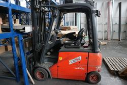 Linde forklift - Lot 79 (Auction 3906)