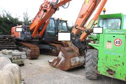 Zaxis Hitachi tracked excavator - Lot 43 (Auction 3918)