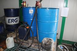Oil distributor and oil drums - Lot 56 (Auction 3918)