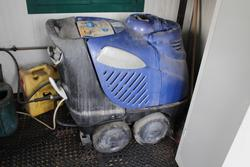 Pressure washers - Lot 58 (Auction 3918)