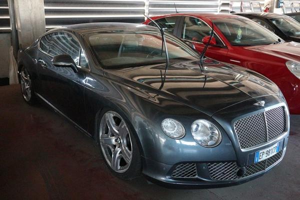 1#3934 Autovettura Bentley Continental