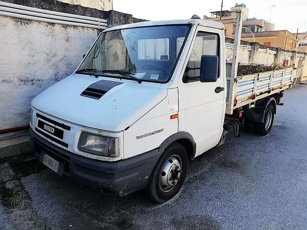4#3949 Autocarro Iveco Turbo Daily
