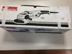 Makita Ga 9020 flexible - Lot 17 (Auction 3952)