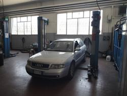 Audi A4 car and Volkswagen truck - Lot 0 (Auction 3956)
