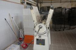 Levelling machine - Lot 5 (Auction 3961)