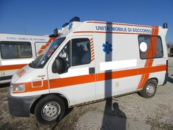 Fiat ambulances and medical equipment - Lot  (Auction 3965)