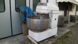 Cimav mixer and oven - Lot  (Auction 3974)