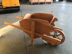 Garden wheelbarrows - Lot 25 (Auction 3977)