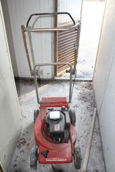 Mower with combustion engine - Lote 80 (Subasta 3985)
