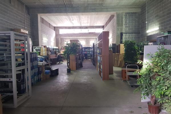 1#3986 Arredi ufficio e attrezzature informatiche