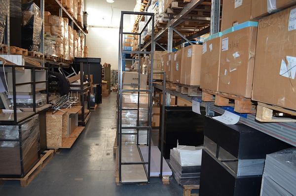 1#3996 Arredi e attrezzature elettroniche per negozio