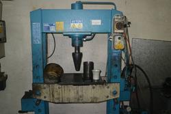 Pressa idraulica OMCN - Lotto 34 (Asta 3998)
