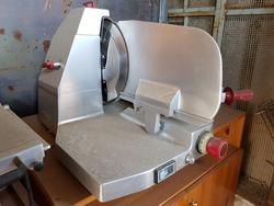 Berkel slicers and Smeg electric ovens - Lot 1 (Auction 4002)