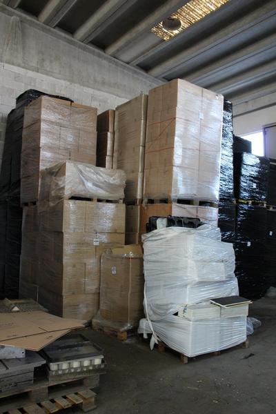 Immagine n. 5 - 132#4006 Stock di vaschette termoformate