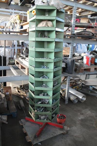 61 4006 carrello con attrezzi alessandria piemonte for Attrezzi agricoli usati piemonte