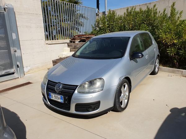 4#4009 Autovettura Volkswagen Golf