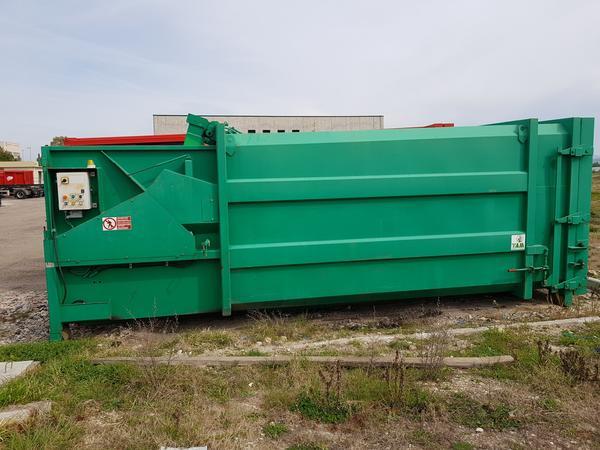 7#4043 Pressa per rifiuti
