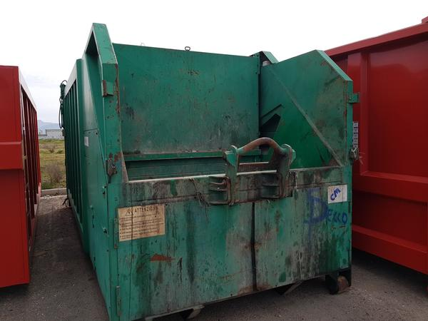 8#4043 Pressa per rifiuti