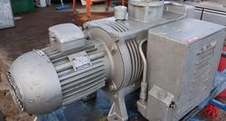 Rotant vacuum pump - Lot 76 (Auction 4068)