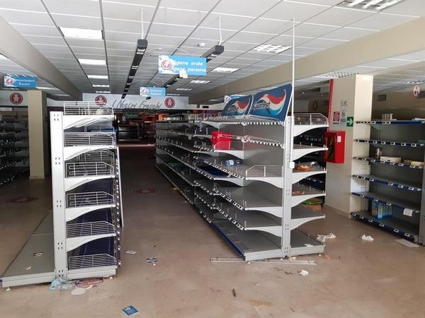 1#4074 Arredi ed attrezzature per supermercato