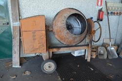 Electric equipment - Lot 27 (Auction 4077)