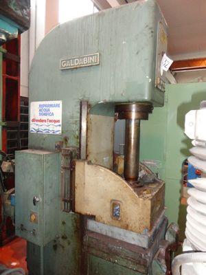 Hydraulic press GALDABINI - Lot 32 (Auction 408)