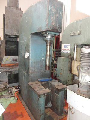 Hydraulic press Goldolieri - Lot 35 (Auction 408)