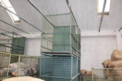 Box trolleys and textile equipment - Lot  (Auction 4097)