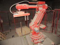 Comau robot - Lot 35 (Auction 4099)
