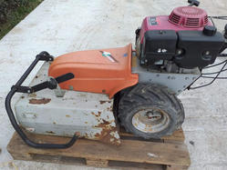 Benassi lawn mower with Honda engine - Lot 4 (Auction 4107)