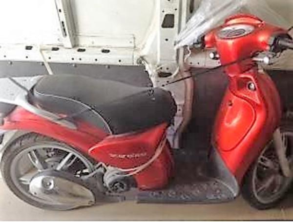 2#4123 Ciclomotore Aprilia Scarabeo 50