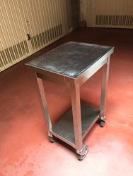 Stainless steel trolley with wheels - Lot 19 (Auction 4135)
