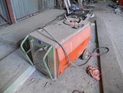 Autocarro Ford Transit e capannone prefabbricato - Asta 4136