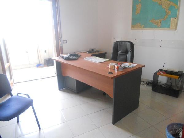10#4136 Arredi ufficio