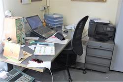 Arredi ufficio e bilancia Odeca - Subasta 4137