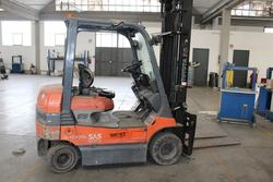 Toyota forklift - Lot 8 (Auction 4140)