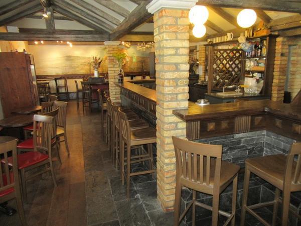 1#4142 Immobile commerciale costituito da bar e ristorante