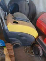 Hydropress industrial vacuum cleaner - Lot 6 (Auction 4152)