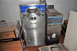 Labshok ice cream machine and office furniture - Lote 1 (Subasta 4160)