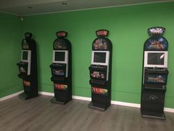 Slot machines and electronic poker table - Lote  (Subasta 4167)