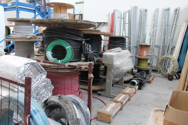 31#4176 Attrezzatura da cantiere e materiale elettrico