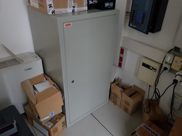 44#4176 Cassaforte Caimano e stampante Samsung