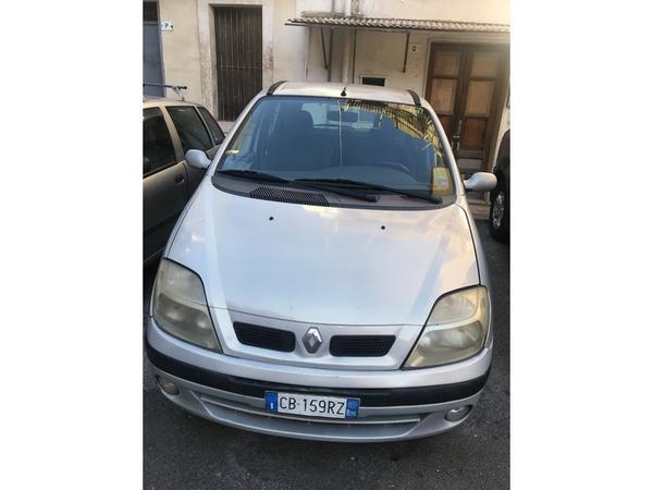 1#4203 Autovettura Renault Megane