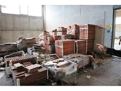 Brick and office furniture - Lot  (Auction 4217)