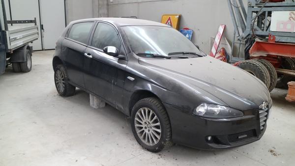 4#4224 Automobile  Alfa Romeo 147