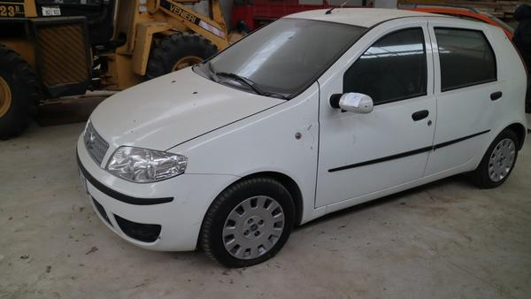 8#4224 Automobile Fiat Punto