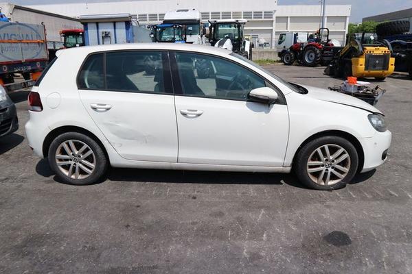 16#4227 VW Golf