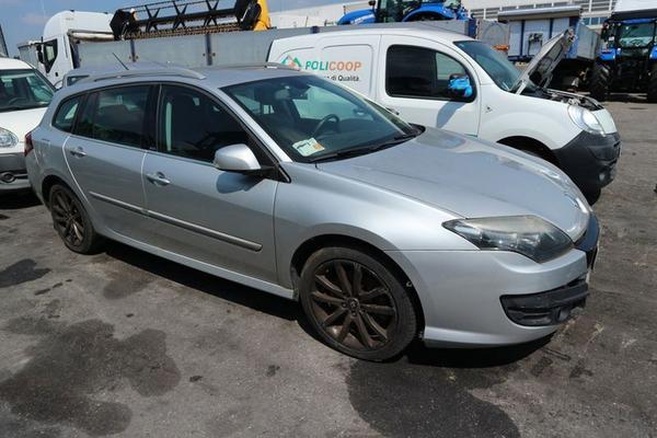 23#4227 Renault New Laguna